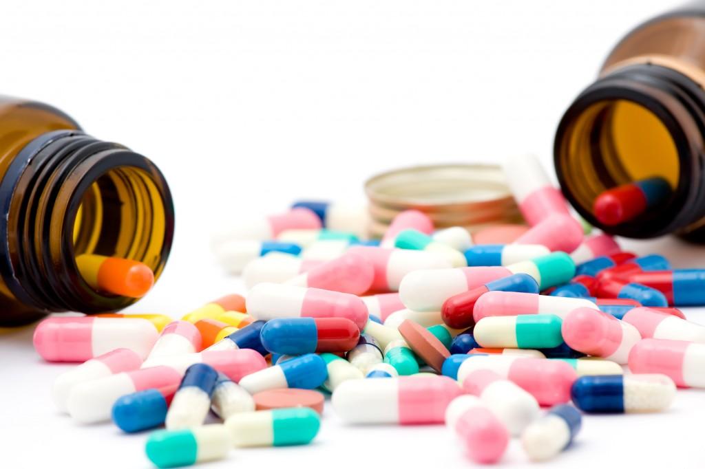 Santé: bientôt sur internet la base de données des médicaments